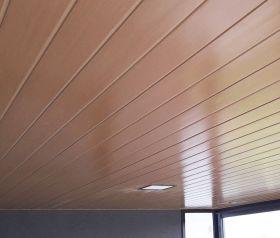 Cielorraso solera-montante cada 400mm con PVC Cielofacil ECOPVC cerezo